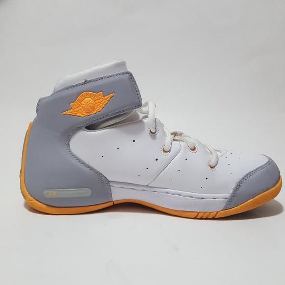on sale 40bde 4305f Air Jordan Carmelo 5.5Y